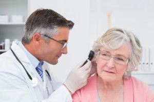 Otolaryngologist 300x200 - Como você vai encontrar um otorrinolaringologista / Otorrino Brasília?